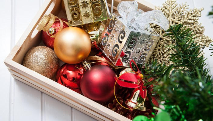 box-holiday-decorations