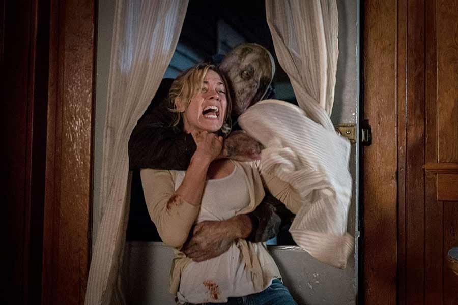 hes-out-there-review-horror